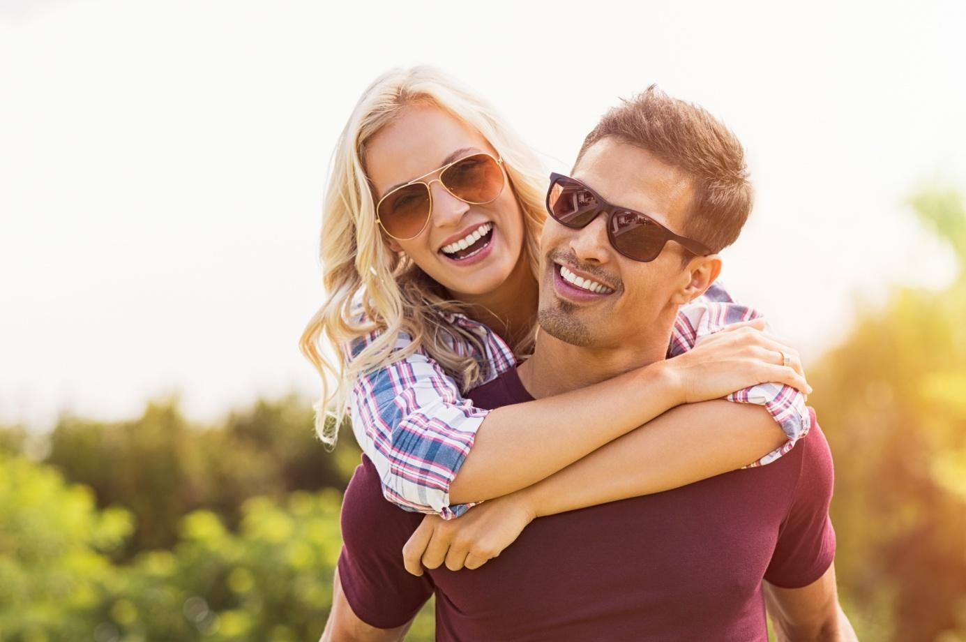 Jakie okulary przeciwsłoneczne wybrać? 3 rzeczy, na które musisz zwrócić uwagę