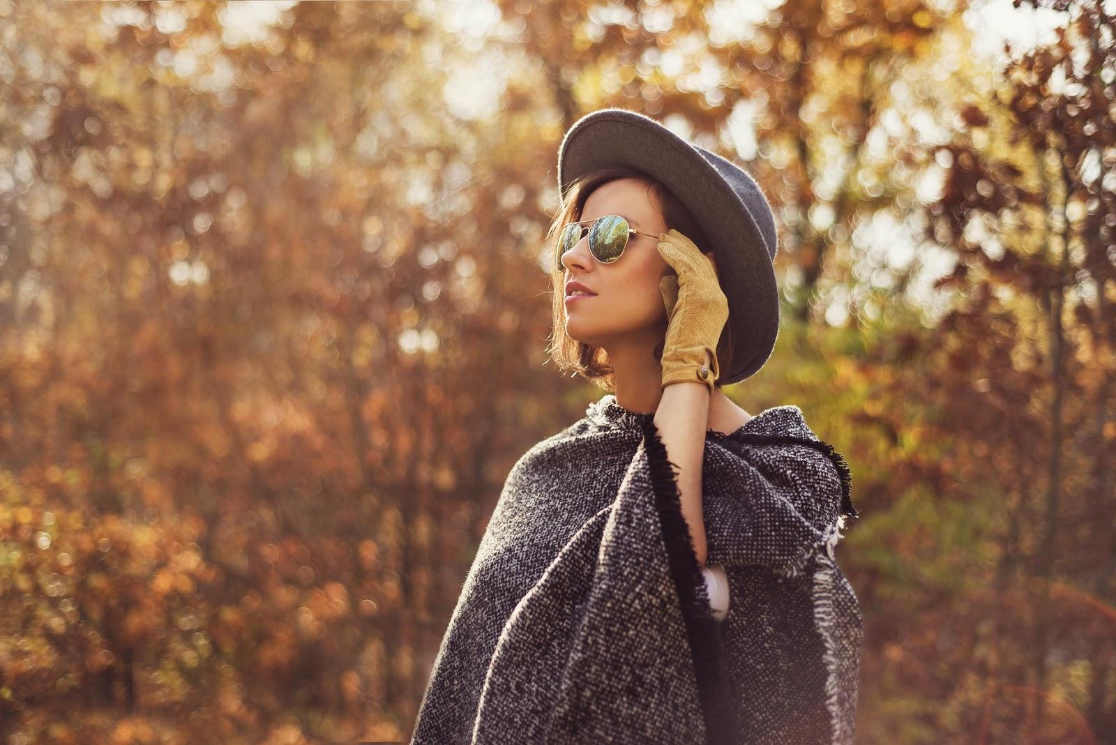 Ponczo – podpowiadamy, jak nosić hit sezonu