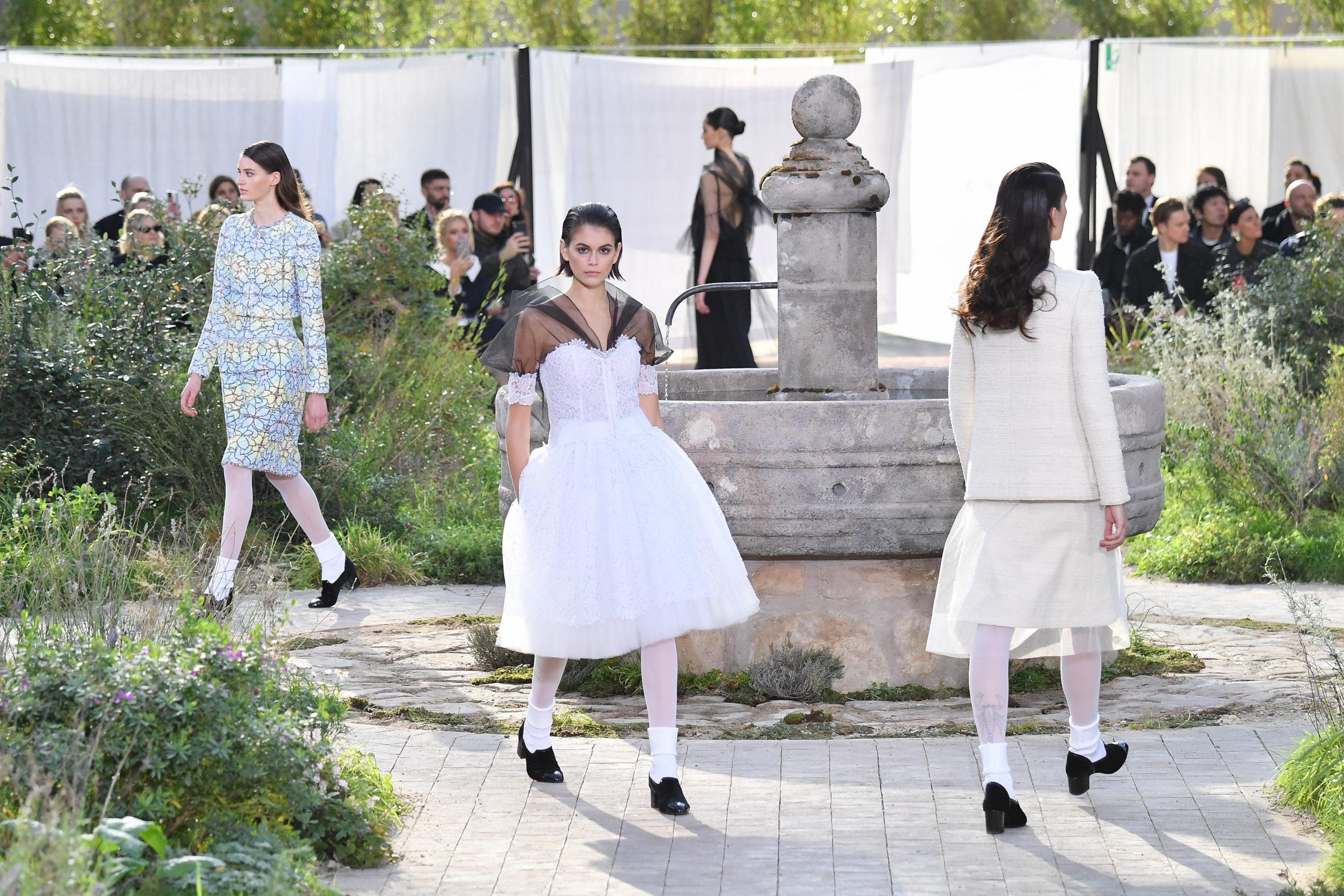 Chanel Haute Couture Wiosna / Lato 2020 – w klasztornym ogrodzie